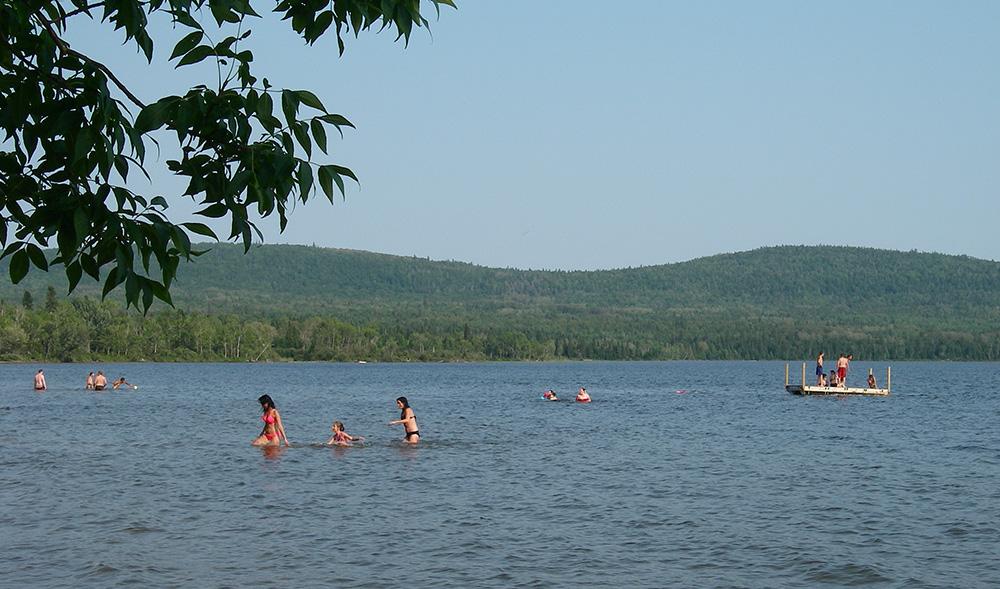 plage municipale - activité estivale en famille
